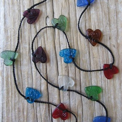 Vintage pressed glass heart necklace