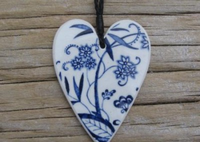 Recycled china heart pendant - 'Blue Danube'