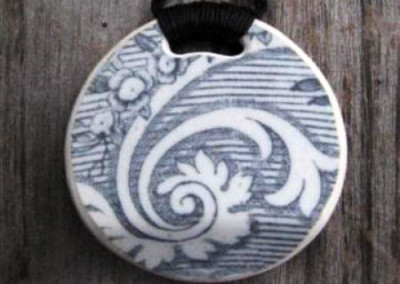 Recycled china round pendant - Historic china from the 1800s, Asiatic Pheasant