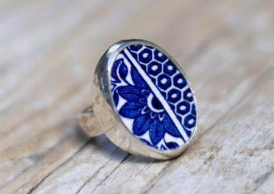Recycled china set in sterling silver ring - Willow Pattern, floral sun
