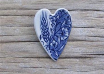 Recycled china heart brooch - Johnson Bros.