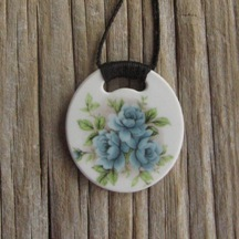 Recycled china pendant - round, blue floral